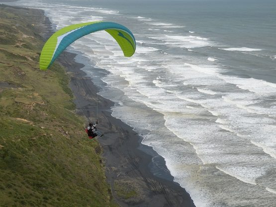 Take an English course and go paragliding in New Zealand
