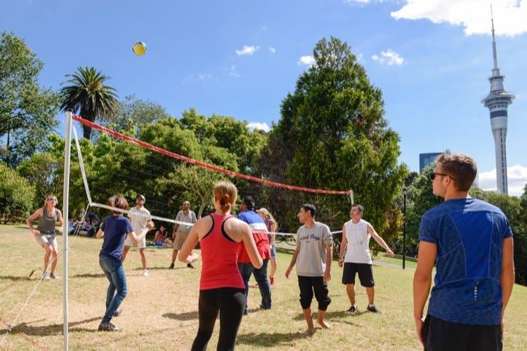 PAuckland, Yeni Zelanda'daki İngilizce okulunun sosyal programı