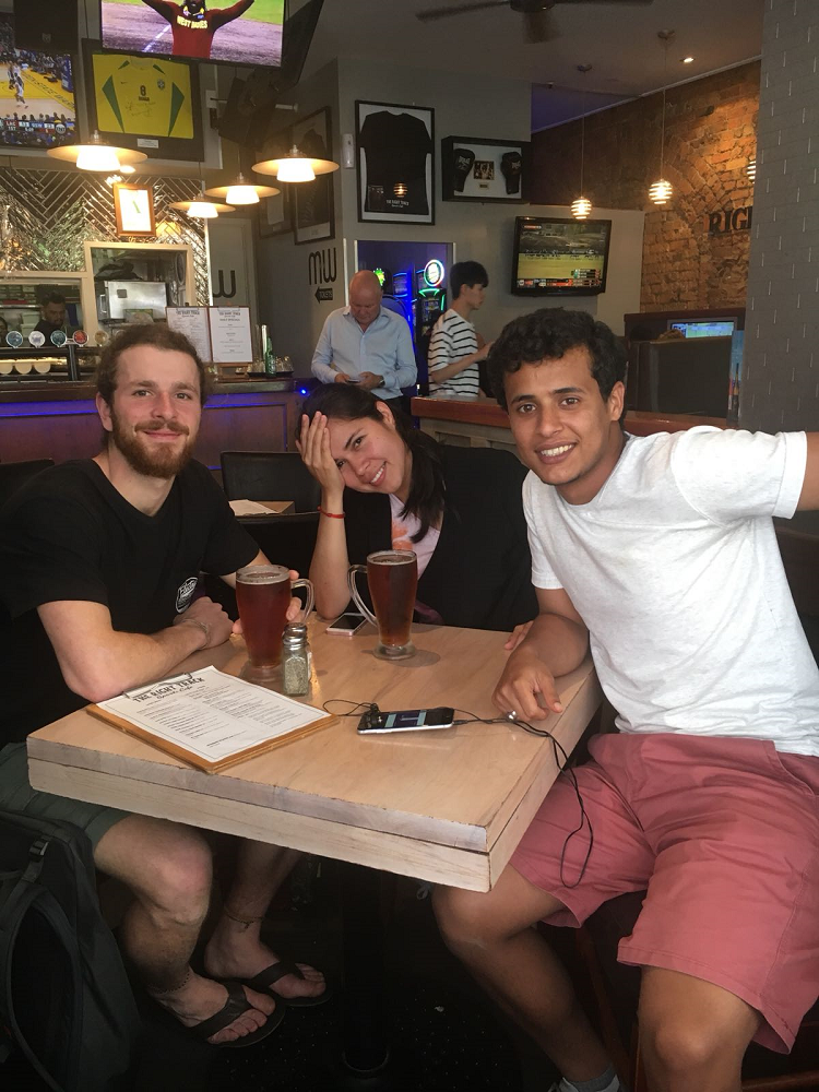 Yamile and friends at an Auckland café