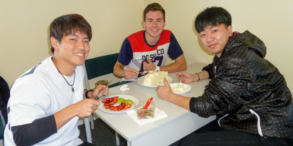 Learn English in New Zealand and eat pavlova