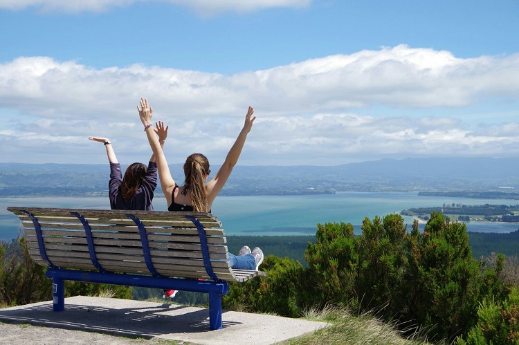 Learn English in Auckland and explore New Zealand