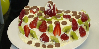 New Zealand Pavlova decorated by English language students